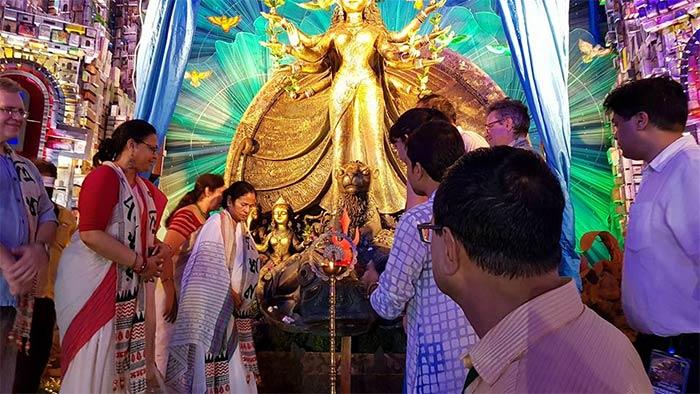Tridhara Sammilani Durga Puja 2017